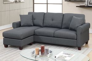 Grey mini sectional 🎈🎈🎈🎈🇺🇸 for Sale in Fresno, CA
