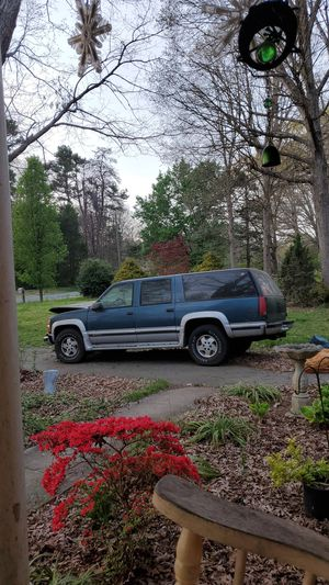 94 Chevy suburban heavy duty tow package for Sale in Greensboro, NC