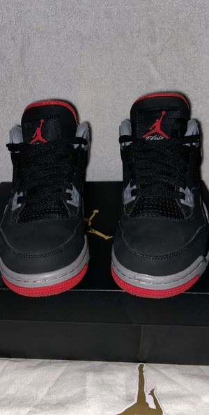 Bred 4s size 5.5 for Sale in Fresno, CA