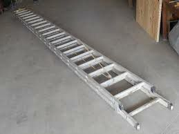 4o ft aluminum extension ladder for Sale in Seattle, WA
