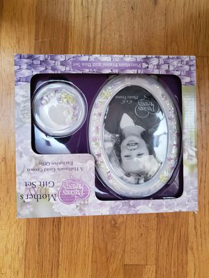 Precious Moments gift set for Sale in Tacoma, WA