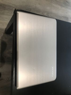 Toshiba laptop-15 inch. for Sale in Los Angeles, CA