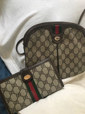 Gucci purse and wallet for Sale in Wallingford, CT