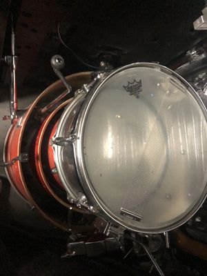 FULL 5 PIECE TAMA DRUM SET W/ CYMBALS for Sale in Brooklyn, NY