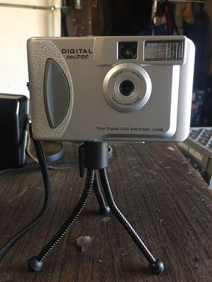 Digital camera w/tripod for Sale in San Francisco, CA