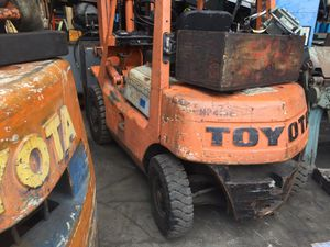 Toyota gas powered 4000# air tire double mast for Sale in South El Monte, CA