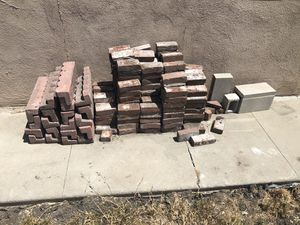 FREE bricks ... first to come gets them for Sale in Los Angeles, CA