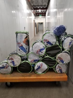 Sleeping bags adult size brand new 30$ each or 2 x 50$ for Sale in Pasadena, CA