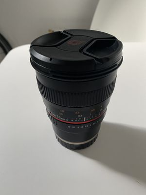 Rokinon Manuel 50mm 1.4 Sony E mount lens. for Sale in Queens, NY