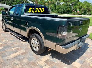 🎁$1,2OO URGENT i selling 2004 Ford F-150 Lariat 4dr truck Runs and drives great beautiful🎁 for Sale in Madison, WI