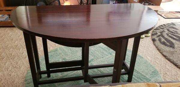 Antique Drop Leaf Table 3'x3' round