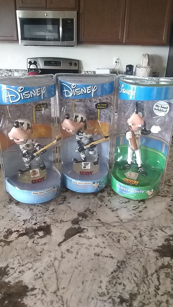 Disney Goofy Bobblehead Lot of 3, Chicago Blackhawks, St ...
