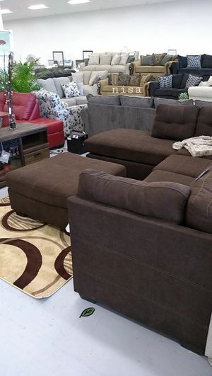 $39 Down Payment Best DEAL 🍾 SPECIAL] Maier Walnut RAF Sectional 70 for Sale in Jessup, MD
