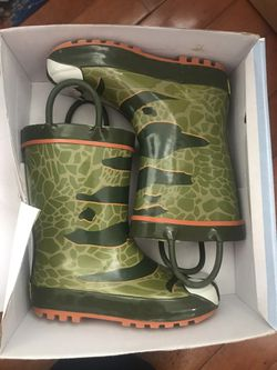 Kids rain boots for Sale in Lumberton,  NJ