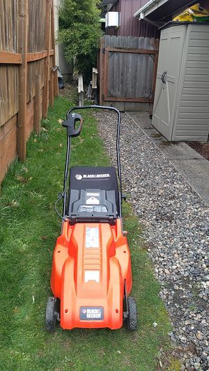 Blackndecker electric lawn mower for Sale in Happy Valley, OR