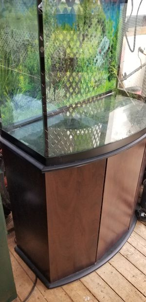 used fish tank and stand 50 gal small size for Sale in Baltimore, MD