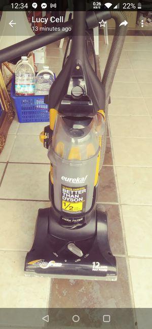Like new Eureka airspeed unlimited pet vacuum for Sale in Homestead, FL