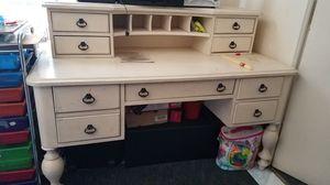 White wood desk for Sale in Oakland, CA