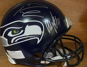 Signed sports memorabilia for Sale in Kennewick, WA