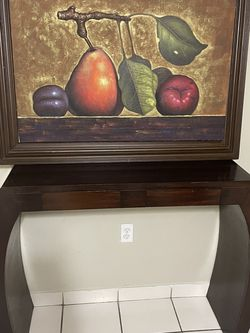 Mesa Con Pintura Y Marco for Sale in Miami,  FL