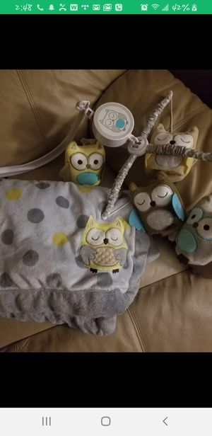 Owl theme mobile and blanket set for Sale in St. Louis, MO