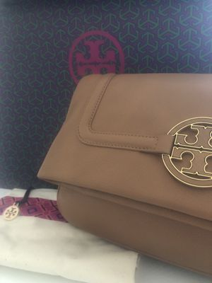 NWT Tory Burch Amanda Foldover Messenger/Crossbody Bag for Sale in Arlington, VA
