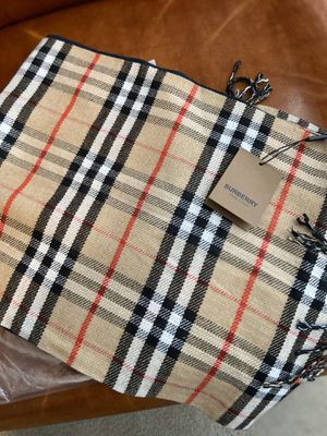 Burberry Cashmere Scarf Brand New for Sale in Herriman, UT