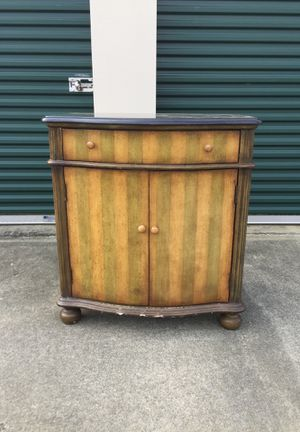 Small cabinet for Sale in Durham, NC