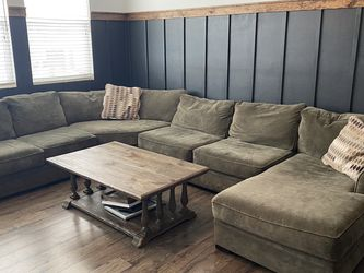 Green Sectional For Sale!! for Sale in Simi Valley,  CA