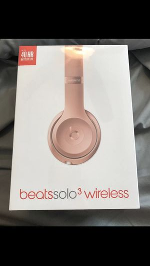 Rose Gold Beats Solo 3 Wireless for Sale in TWN N CNTRY, FL