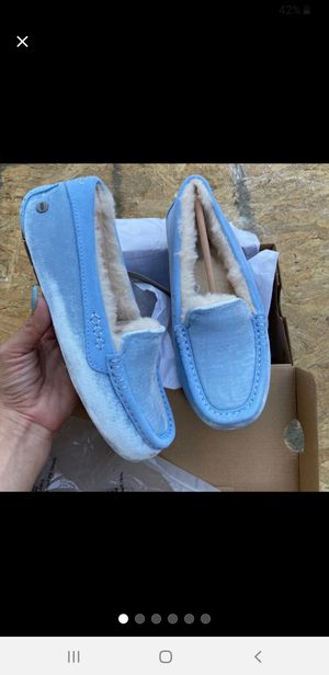 💙💜💙UGG WOMEN'S MOCCASIN BLUE 💙💜💙 for Sale in Silver Spring, MD