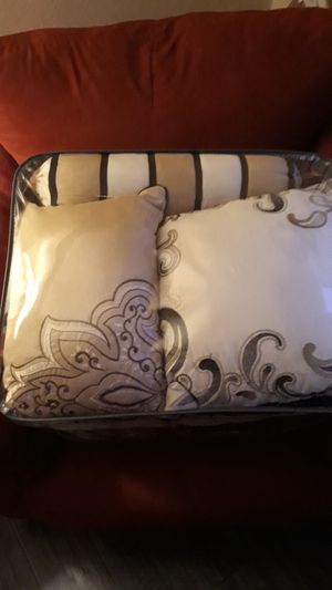Cal king bedset for Sale in Montclair, CA