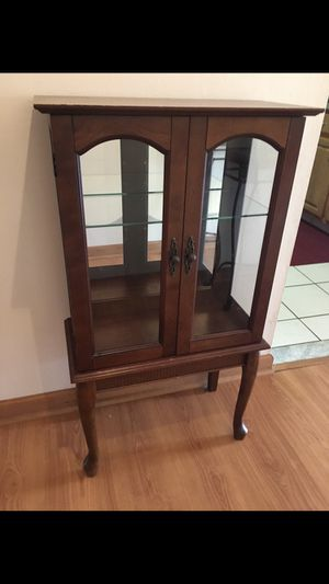 Small Curio Cabinet for Sale in Sanborn, NY