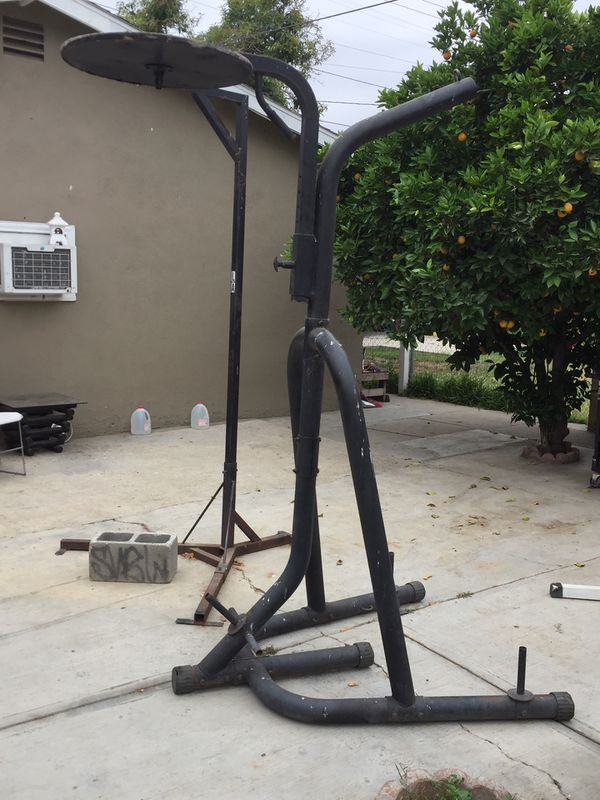 Heavy bag & speed bag stand.. Heavy duty metal stand.