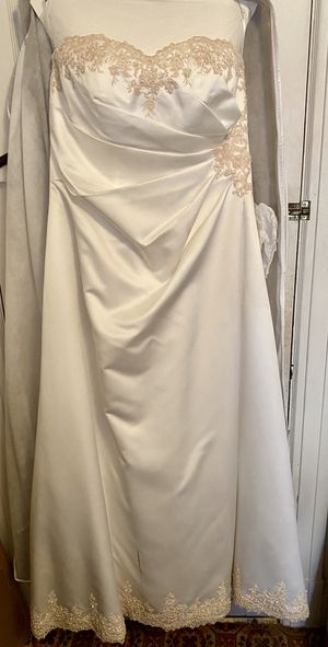 Wedding Dreas for Sale in Tacoma, WA