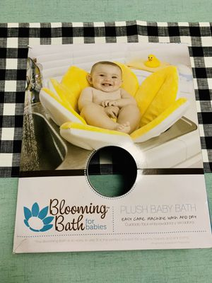 Blooming Bath for babies - plush baby bath for Sale in Fairfax, VA