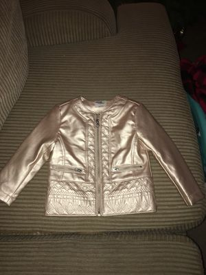 New!!! Osh Kosh 2T Gold faux leather jacket for Sale in Snohomish, WA