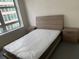 Bedroom set 4 Pc // financing available for Sale in Hialeah, FL