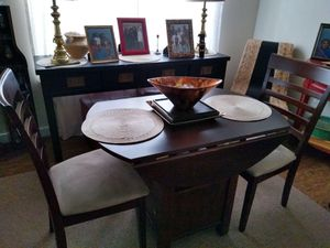 Two seat drop leaf table for Sale in Tacoma, WA