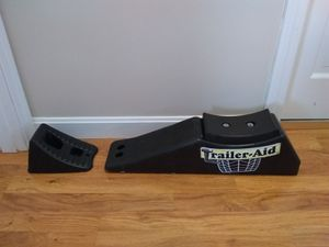 Trailer aid block + 1 plastic chock block for Sale in W CHESTERFLD, NH