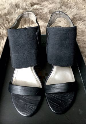 VINCE CAMUTO SOFT LEATHER HEELS for Sale in Tacoma, WA