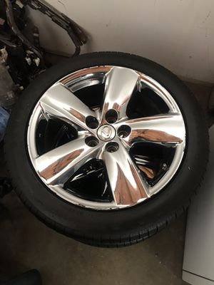 "Lexus Ls460 19"" chrome oem wheels for Sale in Queens, NY"