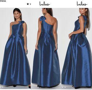 Lulu's long blue one shoulder maxi dress for Sale in Gaithersburg, MD