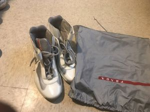 Prada's size 9 good condition wit bag for Sale in Washington, DC