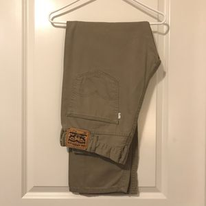Levi Strauss 505 38x32 Khaki Jeans for Sale in St. Louis, MO