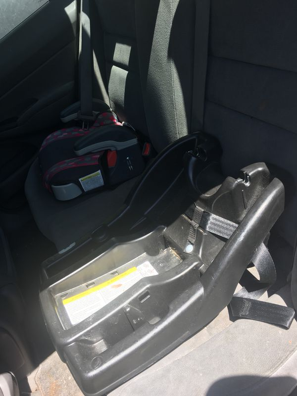 Graco click connect 35 infant car seat + 2 bases and strollers