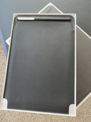 "Ipad Pro 10.5"" leathet sleeve original for Sale in Wichita, KS"