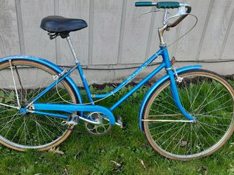 "Vintage Schwinn Breeze Ladies Bike 17"" for Sale in Hillsboro,  OR"