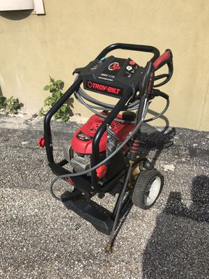 Honda XP GCV 190 Troy-bilt 3000 PSi 2.7 MAX GPM pressure washer comes with 3 tips for Sale in Austin, TX