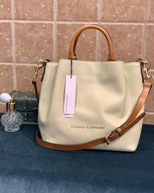 Dooney & Bourke Bag for Sale in VLG WELLINGTN, FL